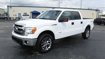 2014 Ford F150 4WD SuperCrew 145 XLT