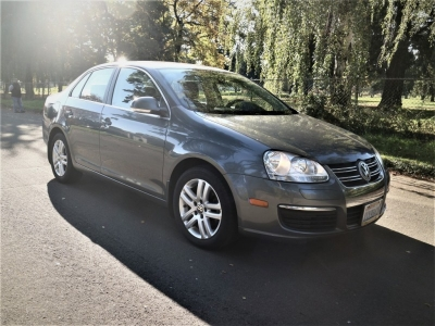2010 Volkswagen Jetta DSG TDI *42 MPG! Runs STRong!* CALL/TEXT!