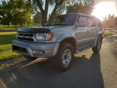1999 Toyota 4Runner 4dr Limited // 4X4 // CleAn CarFax // CleAn TitTLe